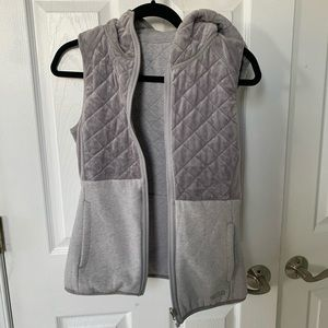 North Face} Reversible Grey Vest
